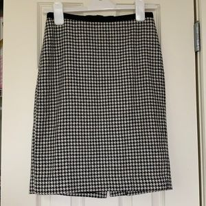 Ann Taylor Houndstooth Pencil Skirt 0P